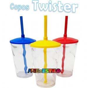 10 Copos Shake Twister Transparente com tampa e Canudo - 500 ML - Só R$2,69